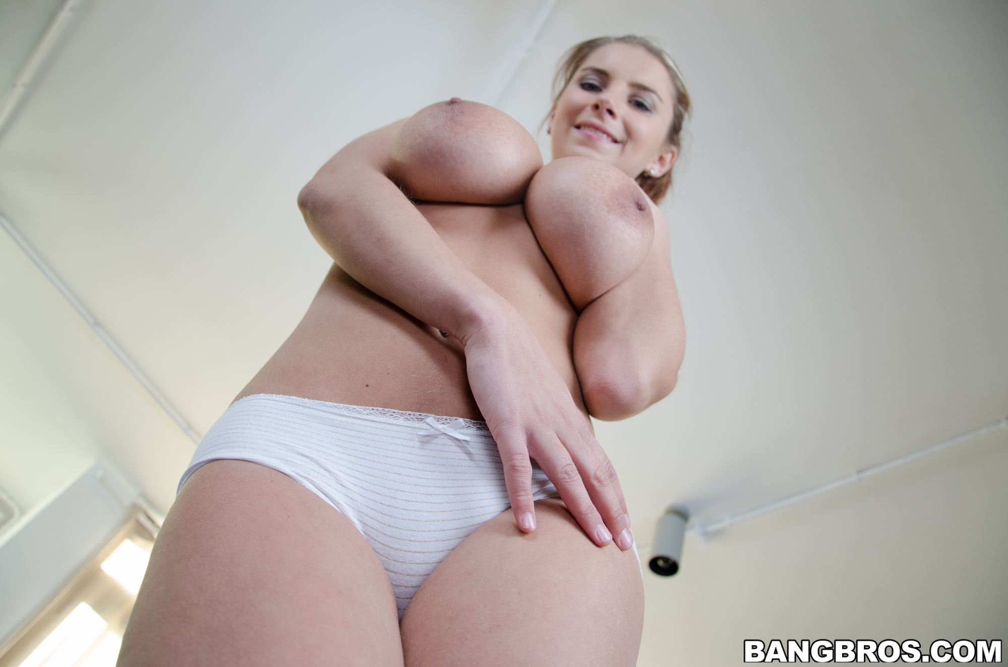A quest for plump ebony pussy 10